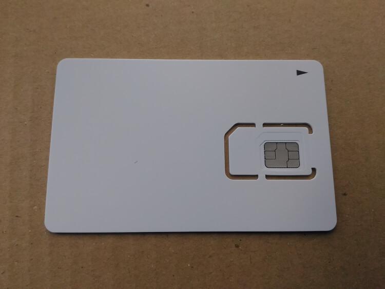 マルチカットSIMカード